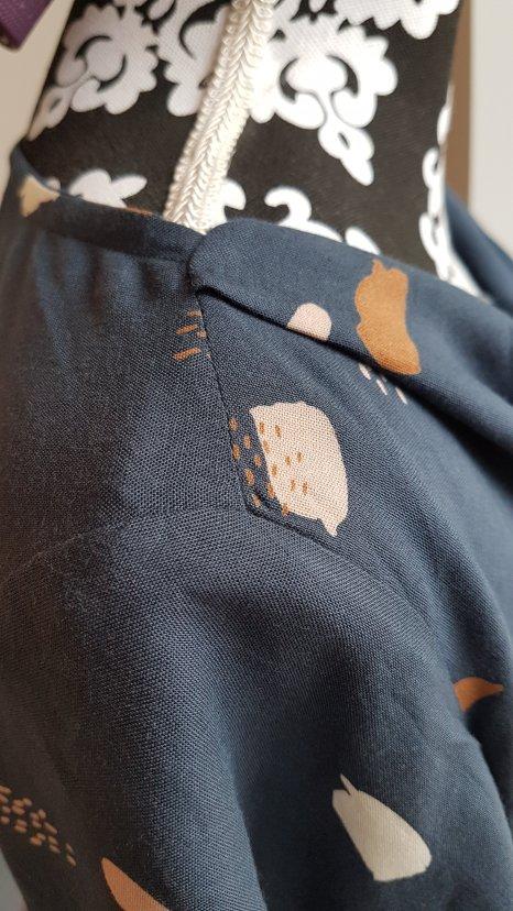 Madame AnneSo_Haut col drapé close Up épaule