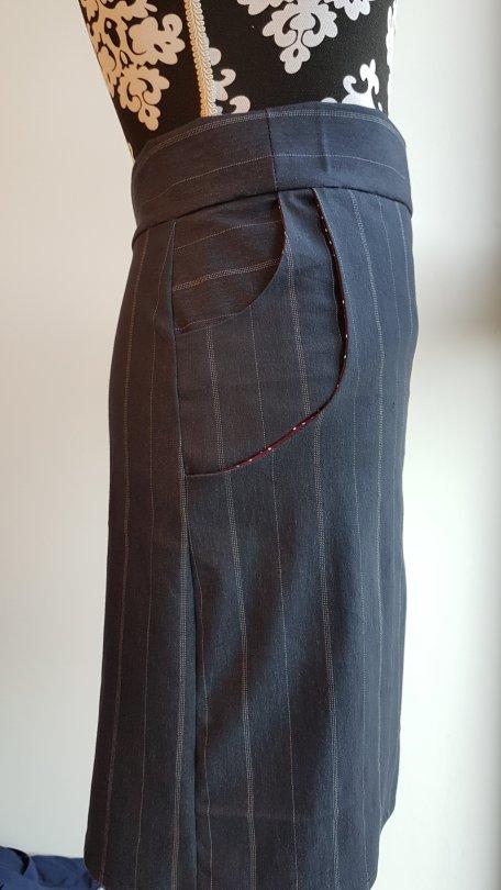 Madame Anne-So_Jupe Double poches côté droit
